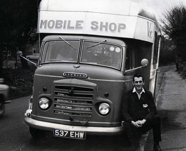 Vic's Mobile Shop